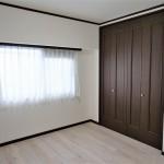 収納たっぷりの居室(寝室)